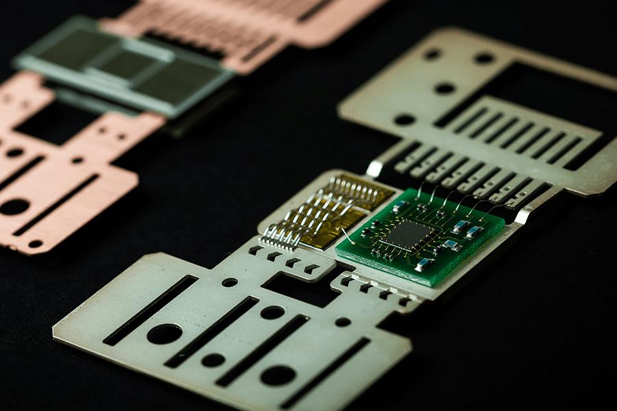 カード型モジュール